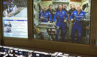 Raumfahrer docken mit zwei Tagen Verspätung an die ISSan (Foto)