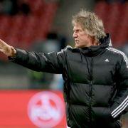 Verbeek mahnt FCN-Profis: «Kein Jugendfußball mehr» (Foto)