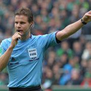 Brych und Schiedsrichter-Kollegen im WM-Check (Foto)