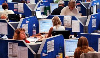 Volkswirte: Arbeitsmarkt profitiert zunehmend von Konjunkturbelebung (Foto)