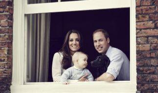 William, Kate und der kleine Prinz George strahlen um die Wette. (Foto)