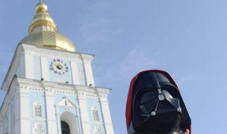 Neben «Gasprinzessin» und «Schokoladenkönig» tritt auch «Darth Vader» zur ukrainischen Präsidentenwahl an. (Foto)