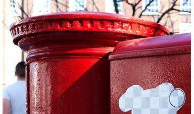 Das Photoshop-Radiergummi an einem Briefkasten am Broadway Market in London.