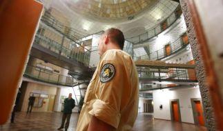 Wegen ihrem demnächst prominentesten Häftling Uli Hoeneß öffnet das Landsberger Gefängnis seine Tore für die Medien. (Foto)