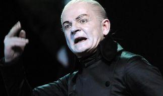 Bühnenunfall am Berliner Ensemble - Schauspieler bricht sich Hand (Foto)