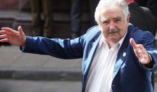 Doch wieder Polizeikräfte in Uruguays Fußball-Stadien (Foto)