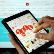 Fiese Kostenfallen beim Online-Shopping via Tablet (Foto)