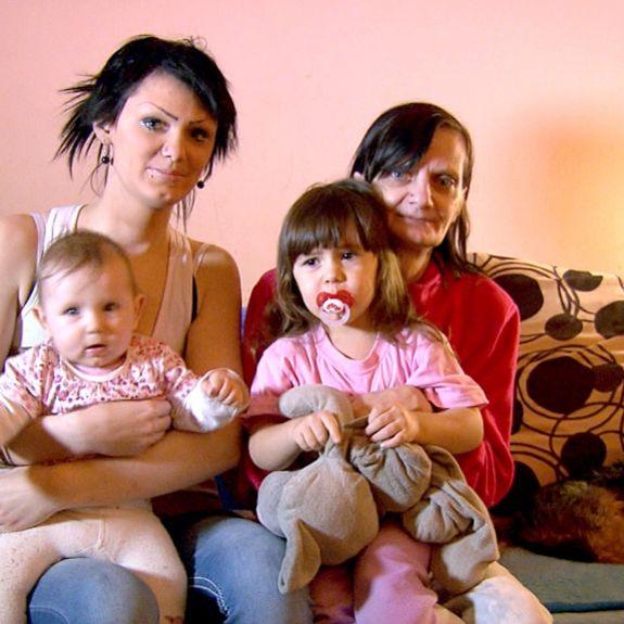 Kann es Teenie-Mama Saskia alleine schaffen? (Foto)