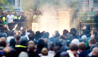 Ausschreitungen in Hannover - Korkut spricht mit 96-Fans (Foto)