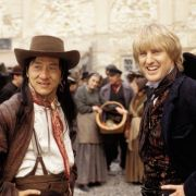 In «Shanghai Knights» ist Jackie Chan mit Filmpartner Owen Wilson unterwegs. Als Sheriff von Carson City ist Chon Wang (Jackie Chan) auf den Spuren eines fiesen englischen Lords, der seinen Vater ermordet hat.