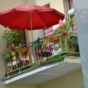Von Nacktsonnen bis Rauchen: Was Mieter auf dem Balkon dürfen (Foto)