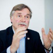 Leverkusens Geschäftsführer will Mannschaft überprüfen (Foto)