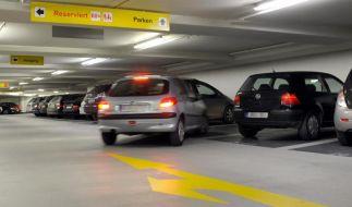 Studie:Frauen parken schneller ein als Männer (Foto)