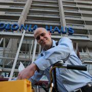 Postbote gut zu Fuß - 800 Briefe, 41 Stockwerke (Foto)