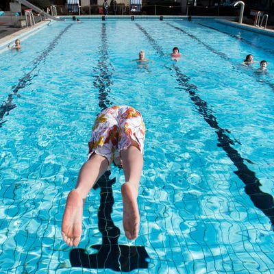 Asthma und Krebs durch Schwimmbad-Pinkler (Foto)