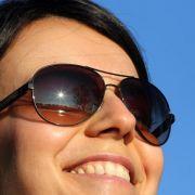Gute Sonnenbrillengläser halten viele UV-Strahlen ab (Foto)