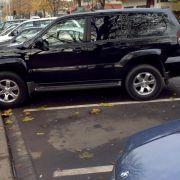Fußgänger dürfen Parklücken nicht reservieren (Foto)