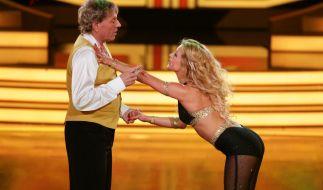 Dance-Oldie Bernhard Brink an der Seite von sexy Tanzpartnerin Sarah Latton. (Foto)