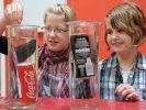 Gefährliche Experimente mit Cola machten die Hamburger Abiturienten. (Foto)