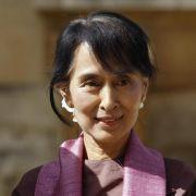 Aung San Suu Kyi besucht Plenardebatte im Bundestag (Foto)