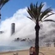 Gigantische Wolke verschlingt spanische Metropole (Foto)