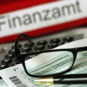 Deutsche zahlen etwas weniger Steuern und Abgaben (Foto)