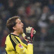HSV-Torwart Adler glaubt weiter an WM-Nominierung (Foto)