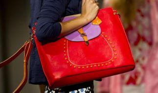 Ohne trendige Handtasche geht im Modesommer 2014 nichts. (Foto)
