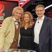 Als TV-Doppelpack müssen sich Thomas Gottschalk und Günther Jauch auch heute Abend wieder eniges von Moderatorin Barbara Schöneberger gefallen lassen.