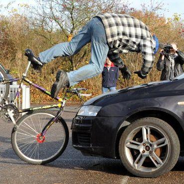 Wann müssen Autofahrer bei Fahrradunfällen haften? (Foto)