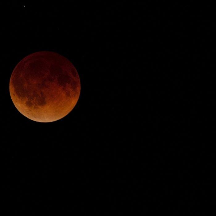 So glühend erstrahlte der Blutmond über Kansas (Foto)
