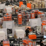 In einem solchen Zalando-Logistikzentrum hat die RTL-Reporterin verdeckt gearbeitet.