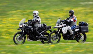 Das milde Wetter lockt viele Zweiradfahrer nach draußen. Doch gerade zum Saisonbeginn passieren vermehrt Unfälle. (Foto)