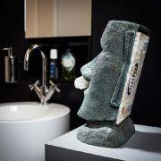 Hinter der schmucken Fassade des Großen Moai verbirgt sich eine handelsübliche Taschentücherbox.