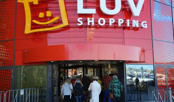 «Luv Shopping» in Lübeck ist das bundesweit erste Einkaufszentrum mit integriertem Ikea-Einrichtungshaus.