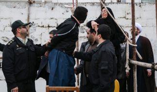 Wenige Sekunden vor der Hinrichtung begnadigt die Mutter den Täter. (Foto)