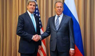 US-Außenminister John Kerry undsein russischer Amtskollege Sergei Lavrov. (Foto)