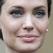 Angelina Jolie wird Nachrichtensprecherin (Foto)