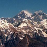 Tödlicher Tag am Everest:Zwölf Menschen sterben in Lawine (Foto)