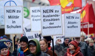 Mehrere tausend Teilnehmer bei Ostermärschen in Deutschland (Foto)