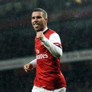 Podolski schießt Arsenal bei Özil-Comeback zu 3:0-Sieg (Foto)