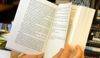 Bei kuriosen Buchtiteln lesen die Leser gerne weiter. (Foto)