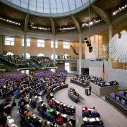 Jeder vierte Bundestagsabgeordnete verdient nebenbei (Foto)