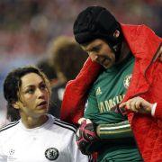 Laut Mourinho: Saison für Chelsea-Keeper Cech gelaufen (Foto)