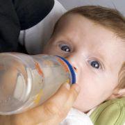 Babys brauchen nur selten Säuglingsnahrung aus Soja (Foto)