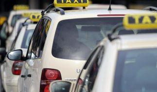 Taxistände sind allein Taxen vorbehalten - wer hier sein Auto parkt, wird zur Kasse gebeten. (Foto)