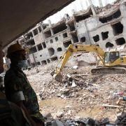 Bangladesch gedenkt der Opfer des Fabrik-Einsturzes (Foto)