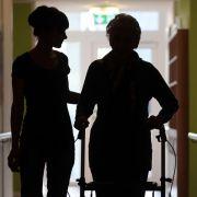 Große Koalition hält Pflege-Klage für aussichtslos (Foto)