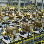 Amazon trotz kräftigen Wachstums mit schmalem Gewinn (Foto)