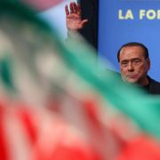 Empörung über antideutsche Kampagne der Berlusconi-Partei (Foto)